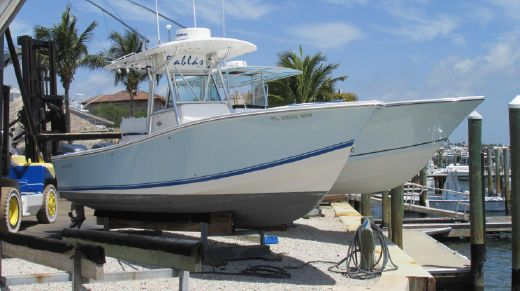2005 Regulator 26 Center Console