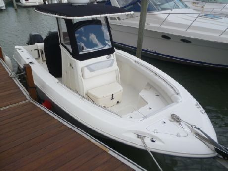 2012 Boston Whaler 25 Outrage