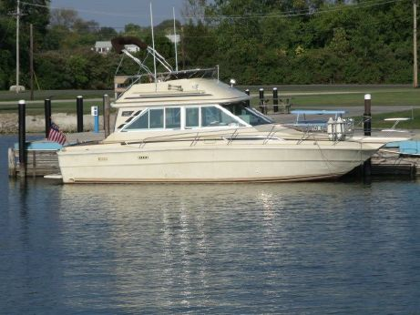 1981 Sea Ray 310 Vanguard Fly Bridge