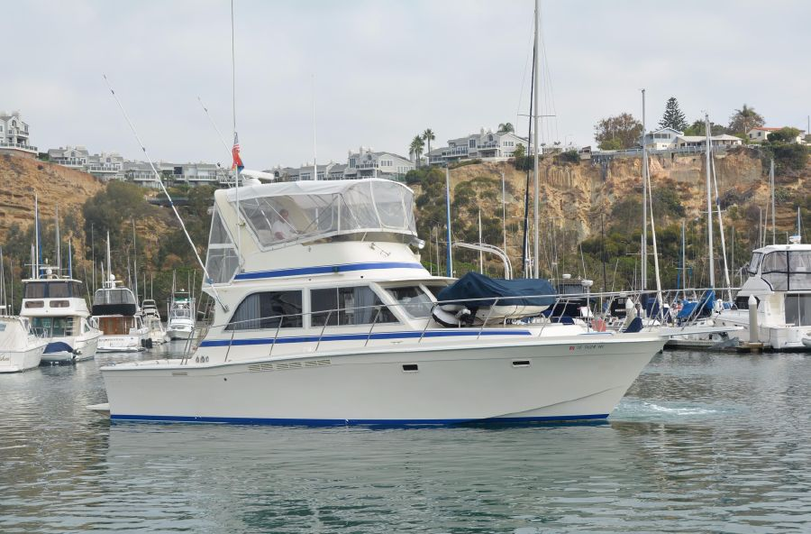 New 1985 38' CHRIS-CRAFT 382 COMMANDER for sale in Dana Point California OY65