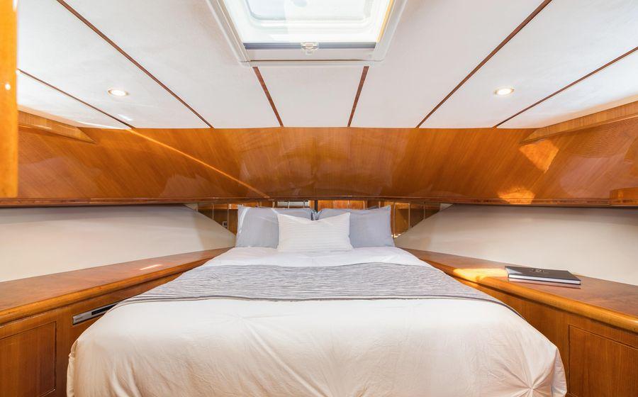 Ocean Alexander 64 Motoryacht VIP Stateroom