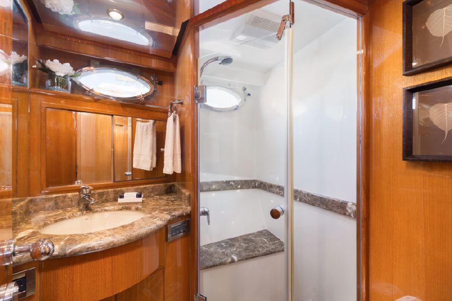 2008 Ocean Alexander 64 Motoryacht Master Shower