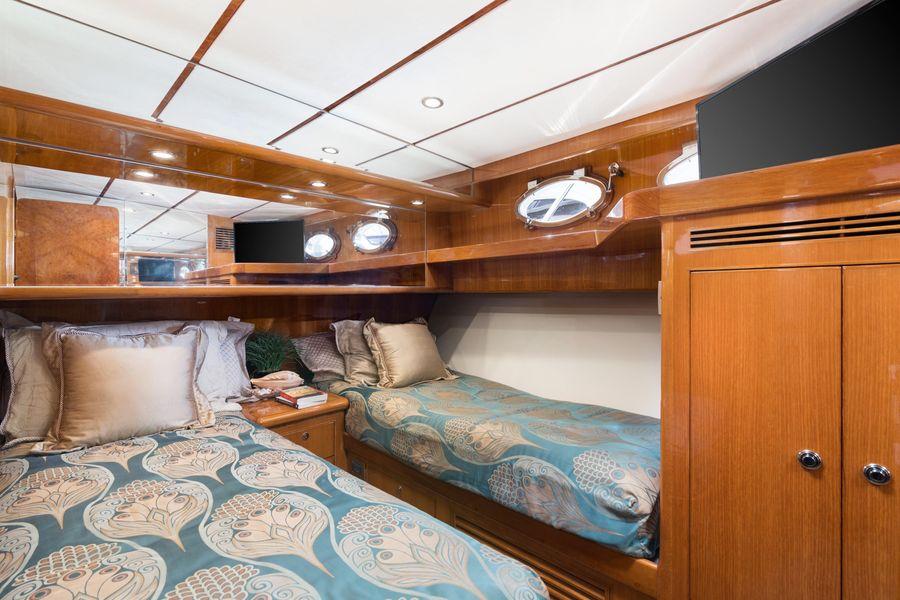 Ocean Alexander 64 Motoryacht Guest Beds