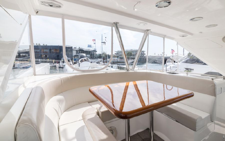 Ocean Alexander 64 Motoryacht Flybridge Seating