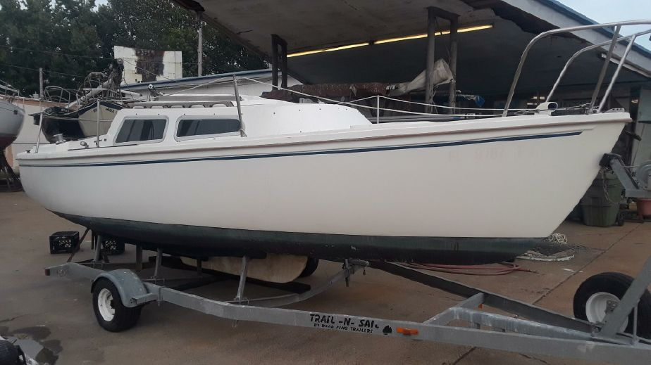 1983 Catalina Swing Keel Sail New and Used Boats for Sale -