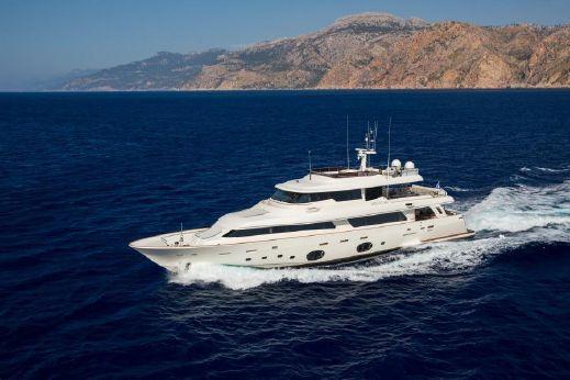2013 Custom Line (ferretti) 33 Crescendo Navetta