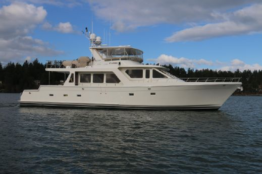 2006 Offshore 72 Cockpit Motoryacht