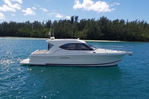2008 Riviera 3600 Sport Yacht