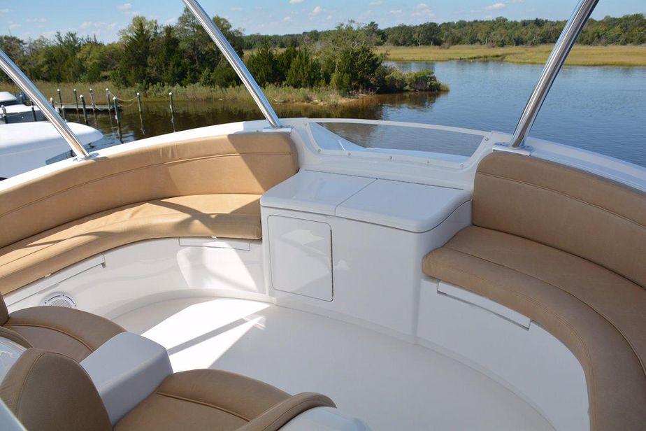 2016 Viking 92 Skybridge Power Boat For Sale - www yachtworld com
