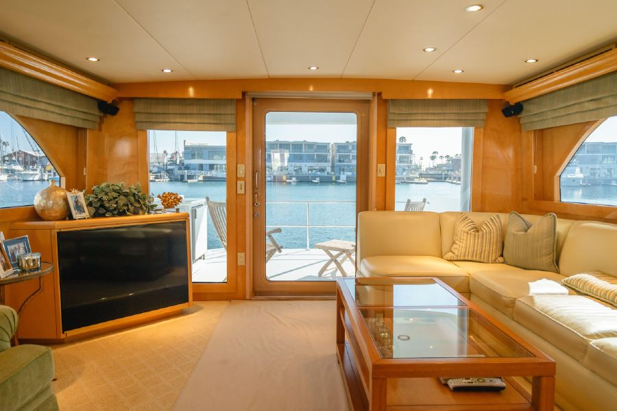 Hatteras 75 Cockpit Motoryacht for sale in Newport Beach