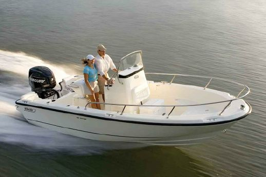 2018 Boston Whaler 190 Outrage
