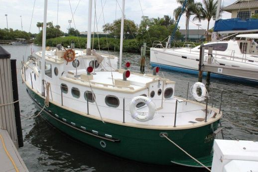 1995 Willard 30 Trawler