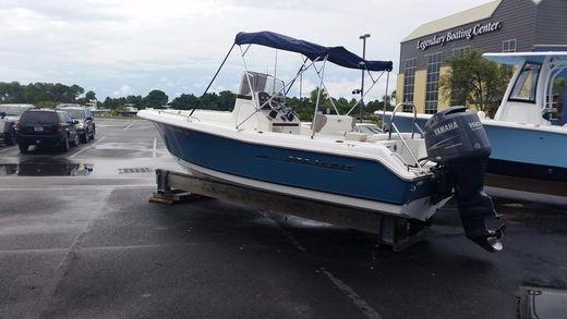 2010 Sea Hunt Triton 210