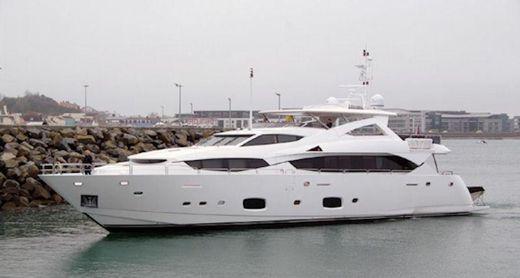 2011 Sunseeker 34M Yacht