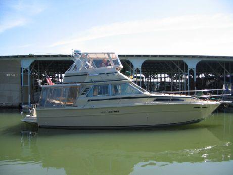 1985 Sea Ray 390 Sedan