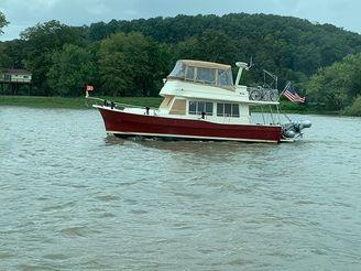 "2006 Mainship ""40"" Trawler"
