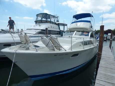 1969 Chris-Craft 35 COMMANDER