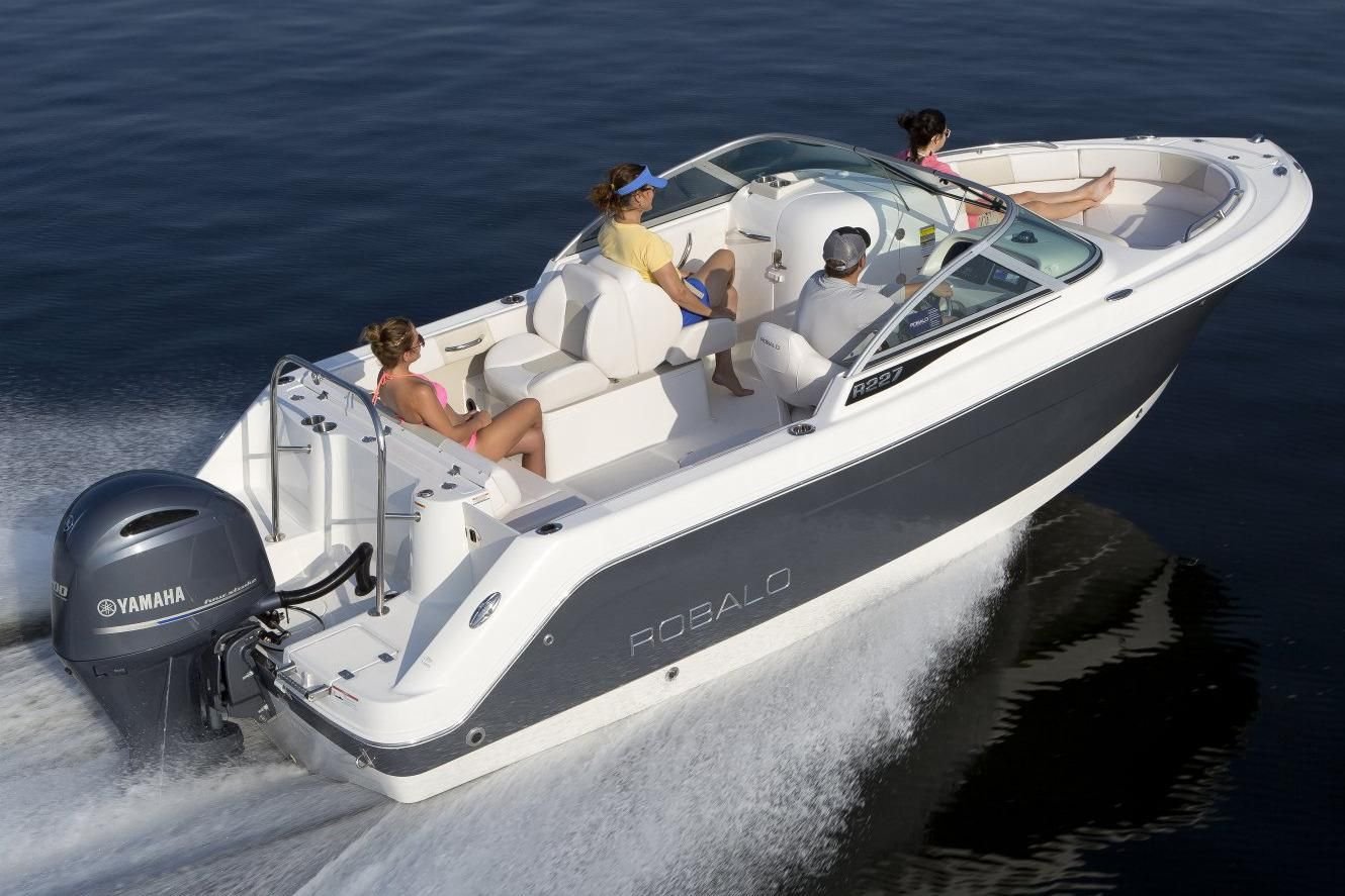 2017 robalo r227 dual console power boat for sale www for Robalo fish in english