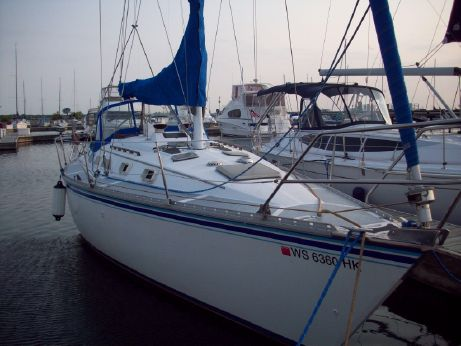 1984 Hunter Marine 34