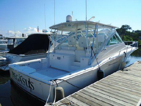 2005 Cabo Yachts 40 Hardtop Express
