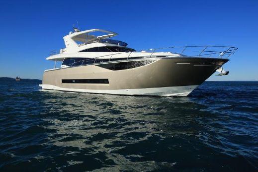 2017 Prestige 750 Motor Yacht