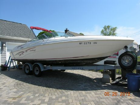 1999 Sea Ray Style Rinker 272 Captiva