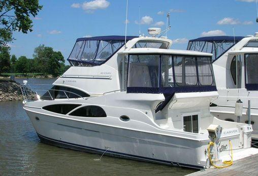 2007 Carver Yachts 41 Cockpit Motor Yacht