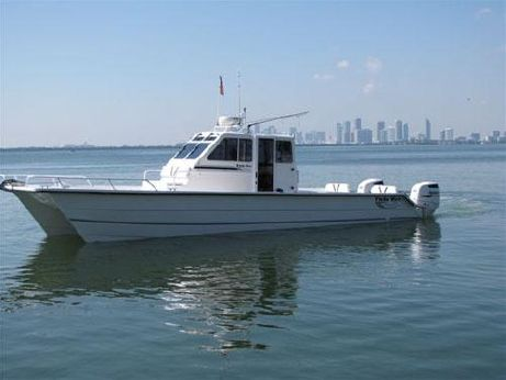 2011 Twin Vee Pilot House
