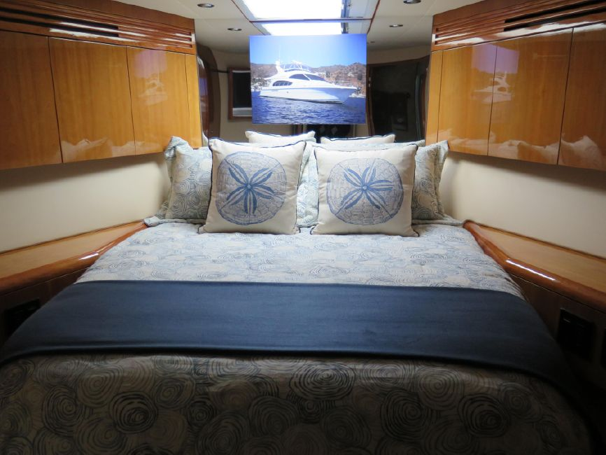 Hatteras 64 Yacht for sale in San Diego