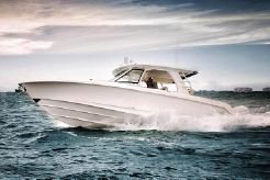 2017 Boston Whaler 350 Realm