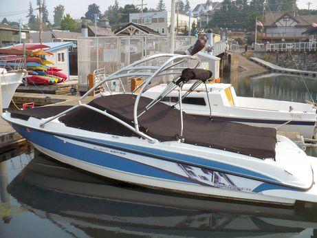 2011 Bayliner 215 Wakeboard Bowrider