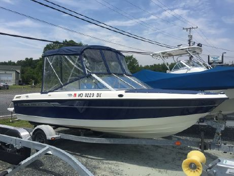 2006 Bayliner 195 Discovery