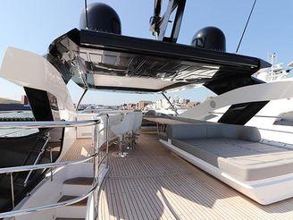 thumbnail photo 0: 2018 Sunseeker 86 Yacht