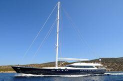 2013 Custom Line sloop 121 ft
