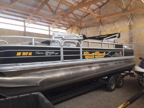 2016 Sun Tracker Fishing Barge Deluxe Pontoon