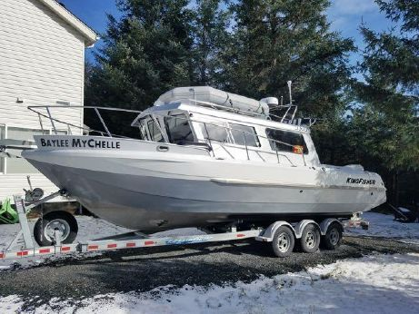 2012 Kingfisher 2825