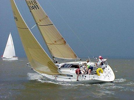 1987 Beneteau First 325