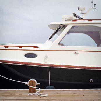 2000 Hinckley Classic Picnic Boat