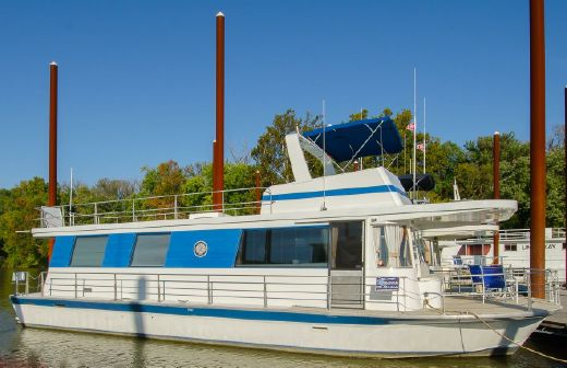 1973 Pluckebaum Houseboat