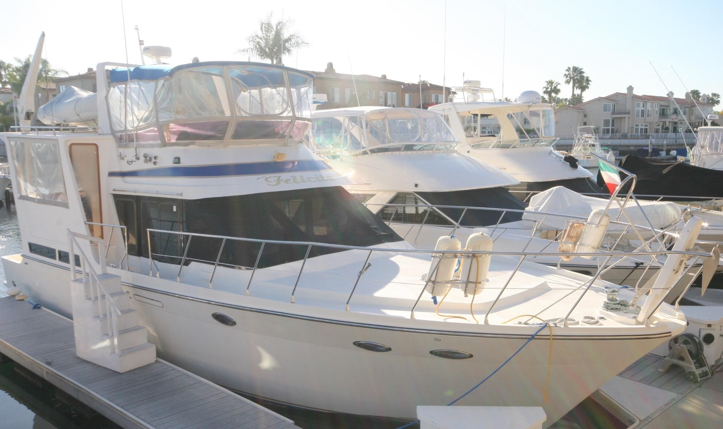 1988 hyundai cockpit aft cabin motor yacht power boat for