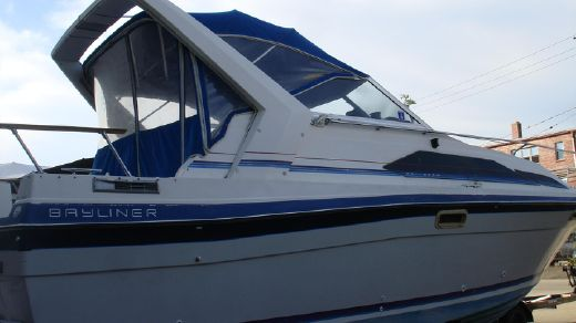 1987 Bayliner 2850 Contessa