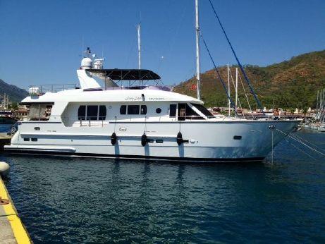 2006 Trader Superyacht 70