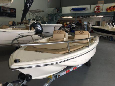 2016 Scout Boats 151 Dorado