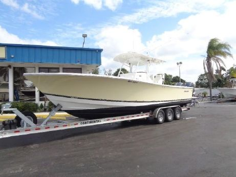 2013 Regulator 34 Center Console
