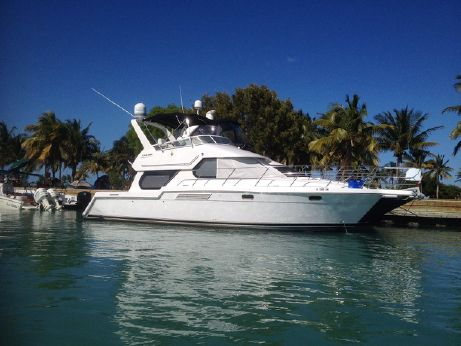 2001 Carver Yachts 374 VOYAGER