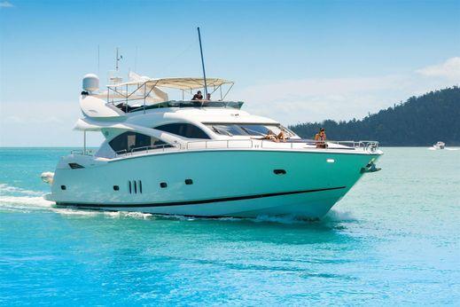 2004 Sunseeker Yacht 82