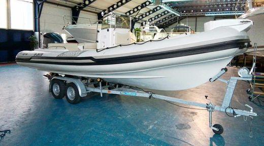 2010 Joker Boat Clubman 22'