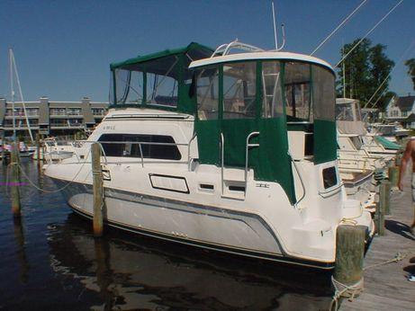 1995 Mainship Aft-Cabin Motor Yacht