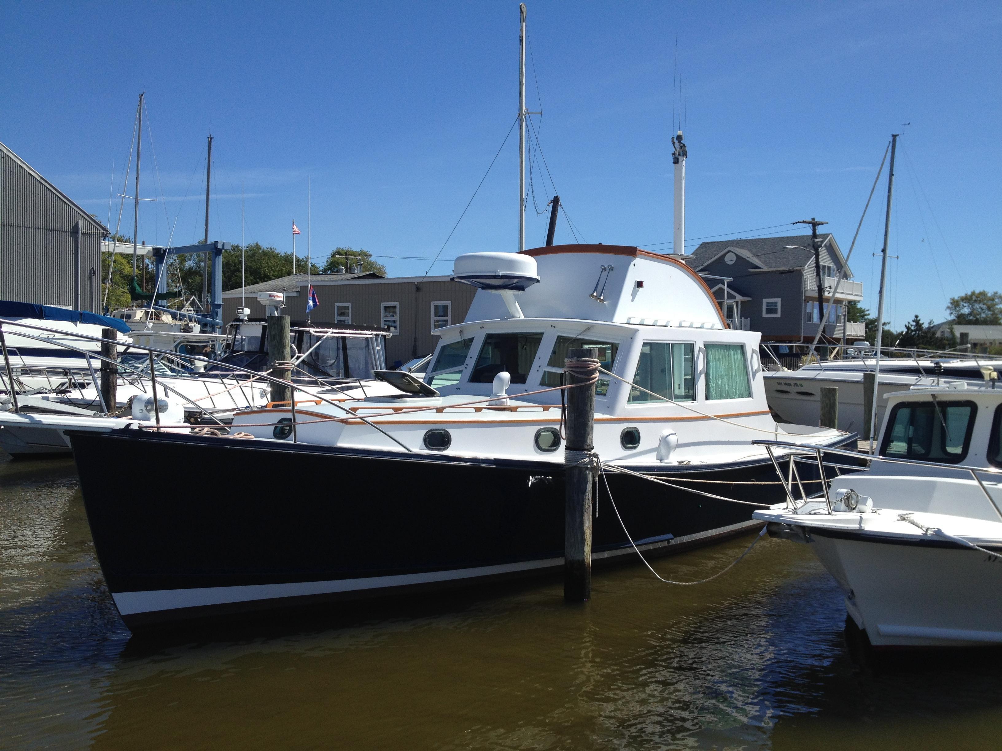1977 Jarvis Newman Flybridge Power Boat For Sale - www.yachtworld.com