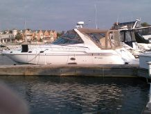 1999 Cruisers Yachts 4270 Esprit